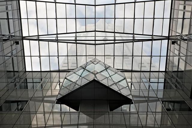 glass-3137314_640